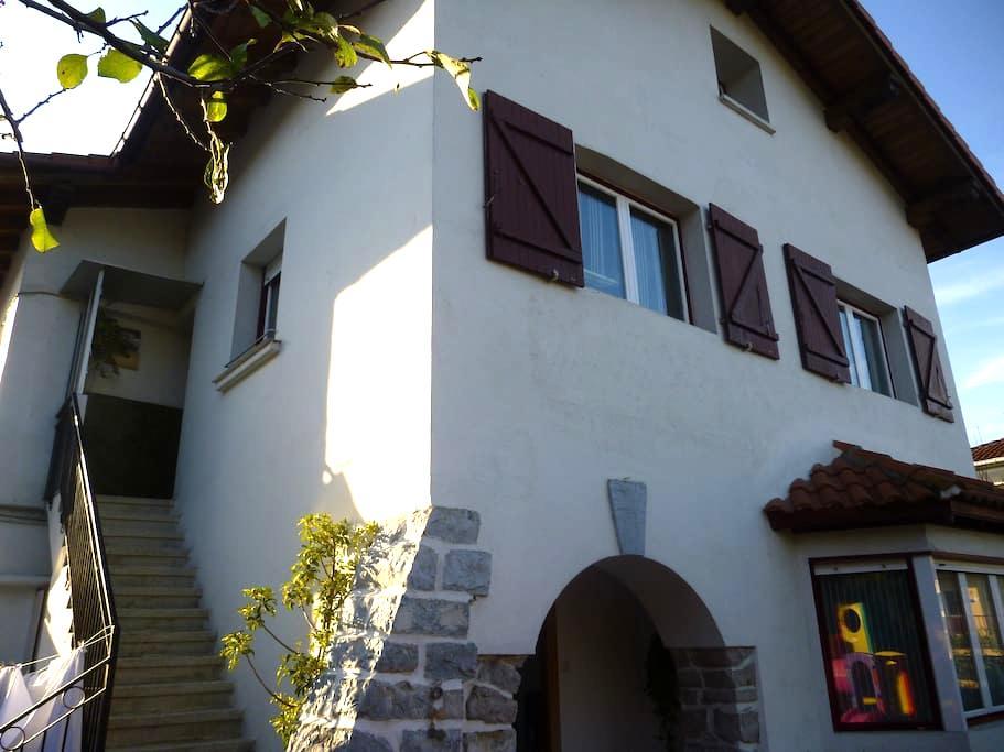 Apartamento en villa-caserio - Irun - Villa