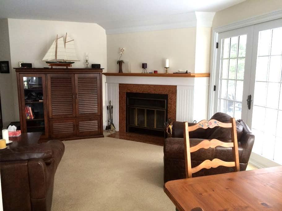 Beautiful & Cozy Condo in Knowlton - Knowlton - Apartament