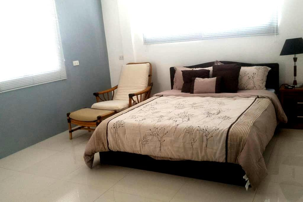 PV Vista Accommodations (Bed & Breakfast) - Cebu City - Bed & Breakfast