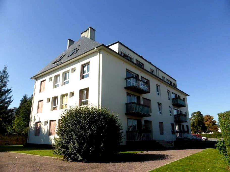 two-roomed apartment with balcony at Mozart's - Cauen - Pis