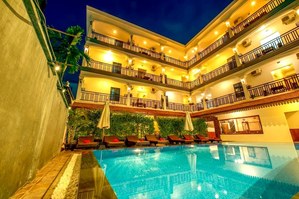 Double @ Amra Hotel + Pick Up - No Breakfast - Krong Siem Reap - Apartment