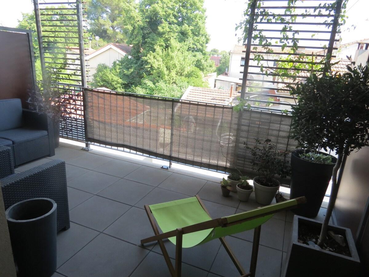 Studio terrasse au 2° etg. expo sud