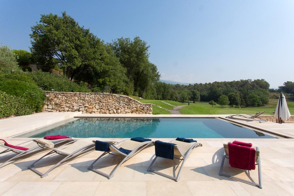 Luxury Villa on Golf, pool & sauna