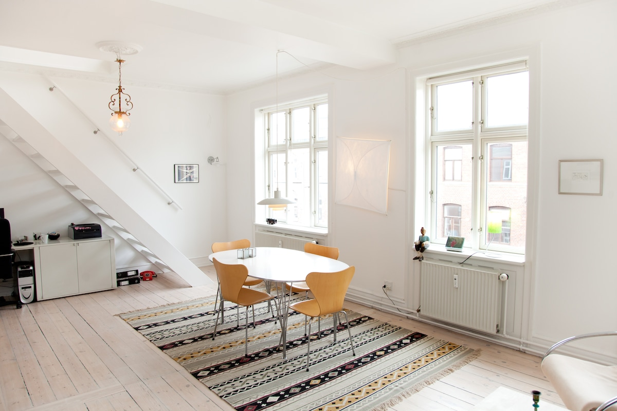 Central Copenhagen Top floor 105m2