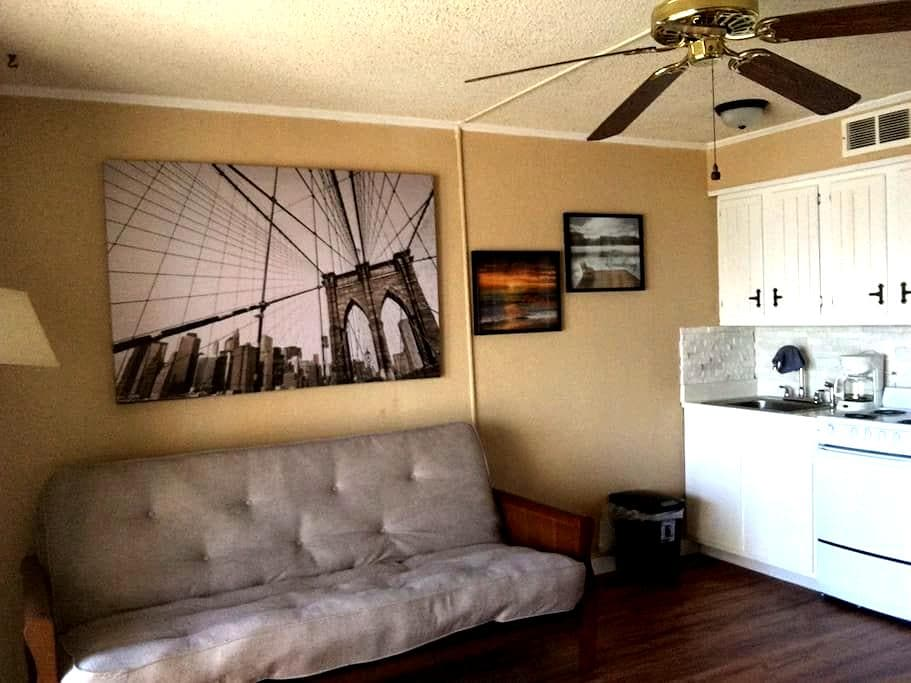 2312 Furnished Beach Front Condo W/Kitchenette - Corpus Christi - Appartement en résidence