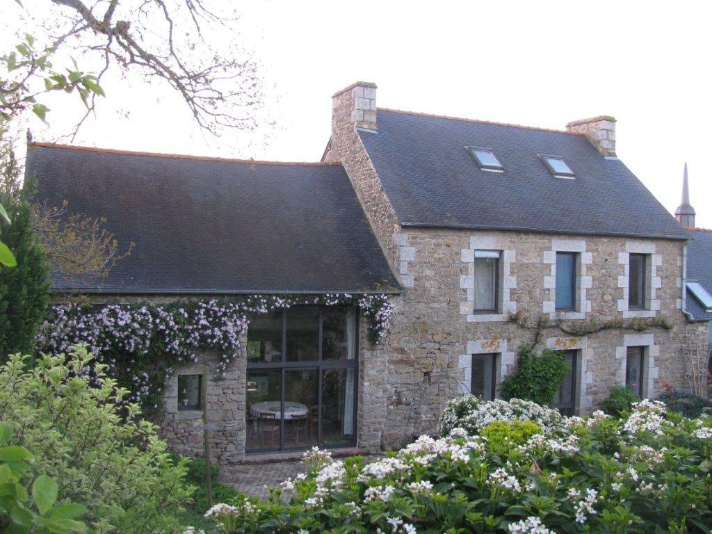 Belle longère bretonne