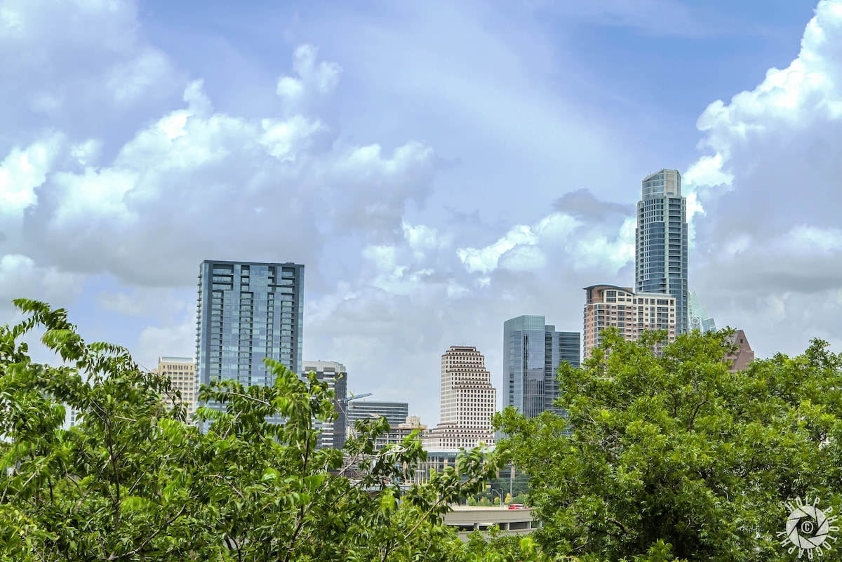 Downtown Austin Loft Skyline View!