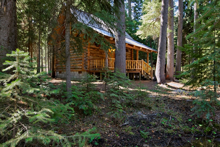 Log Cabin on Tumalo Creek