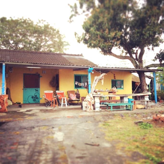 Crazy but cozy ~cabin near the sea - Taimali Township