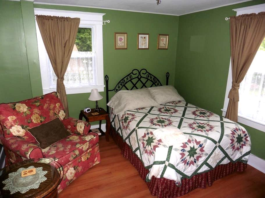 Cozy Private Room in Belleville (Green Room) - Belleville - Appartement