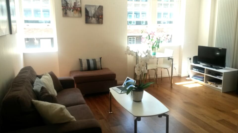 Lovely Shoreditch 1 Bed Apartment