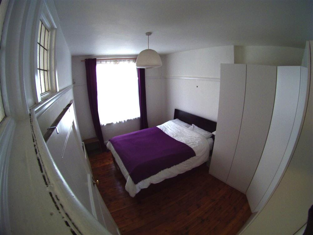 Double room in beautiful 1905 flat