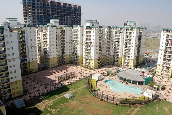 3 BEDROOM APARTMENT , POOL VIEWROOM