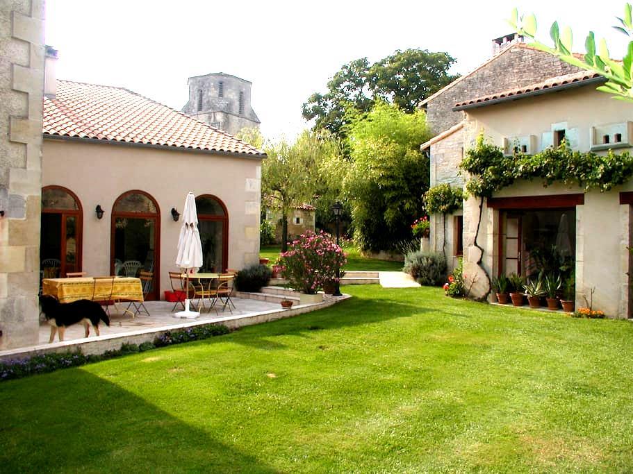Grande et belle maison de caractère - Couture-d'Argenson - House