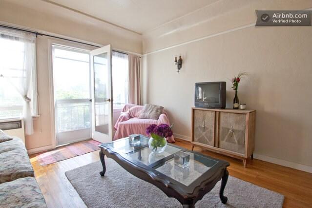 Cozy Room in the Heart of Echo Park