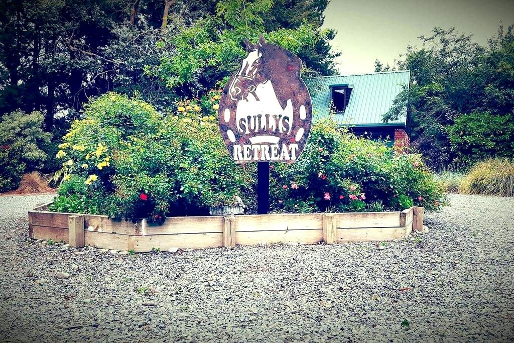Sully's Retreat - Dunsandel - Bed & Breakfast