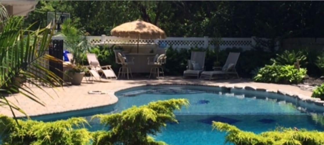 One Bedroom Rental in Paradise