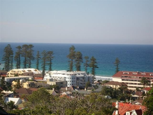 Spectacular Ocean Views. Manly.