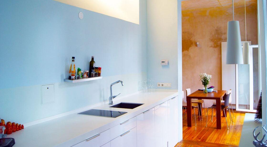 Kitchen with a lot of electric equipment, induction stove, dishwasher, Nespresso, washer, drier - tolle Küche mit alle modernen Geräten wie Induktionsherd, Nespresseo, Geschirrspühler, Waschen/ Trockner