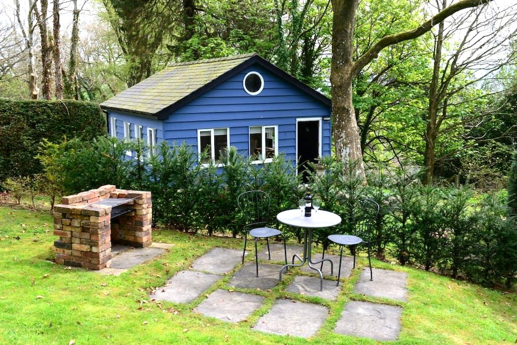Charming Chalet in Private Garden (Pet Friendly) - Caersws - キャビン