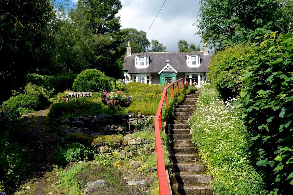Derrywood - Braemar - บ้าน