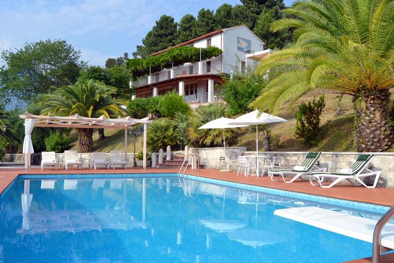 Villa with pool sea view