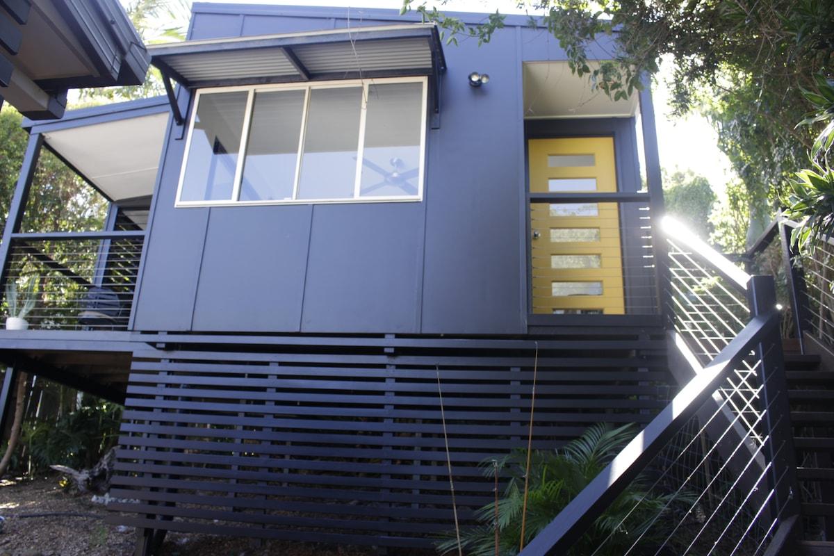 Modern Studio, only 500m from Beach