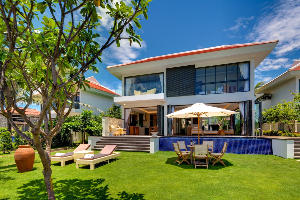 Luxury MJ Ocean Villa-600m2, 2 Beds