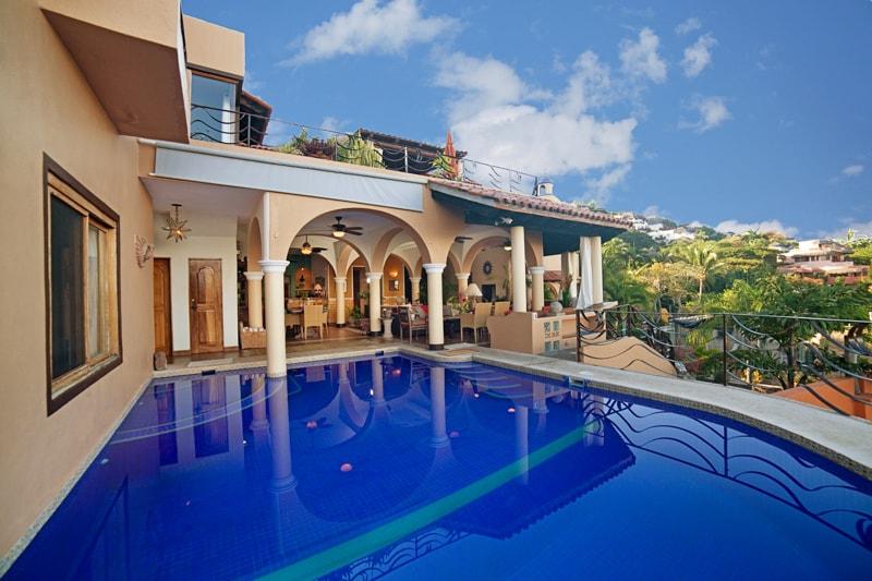 Beautiful, Classic Beachside Villa