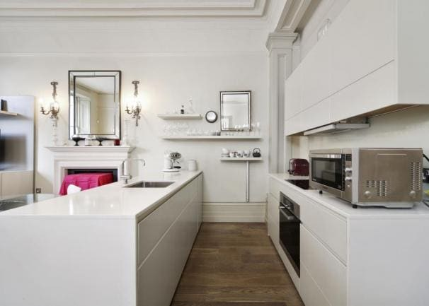 Chic flat on garden square
