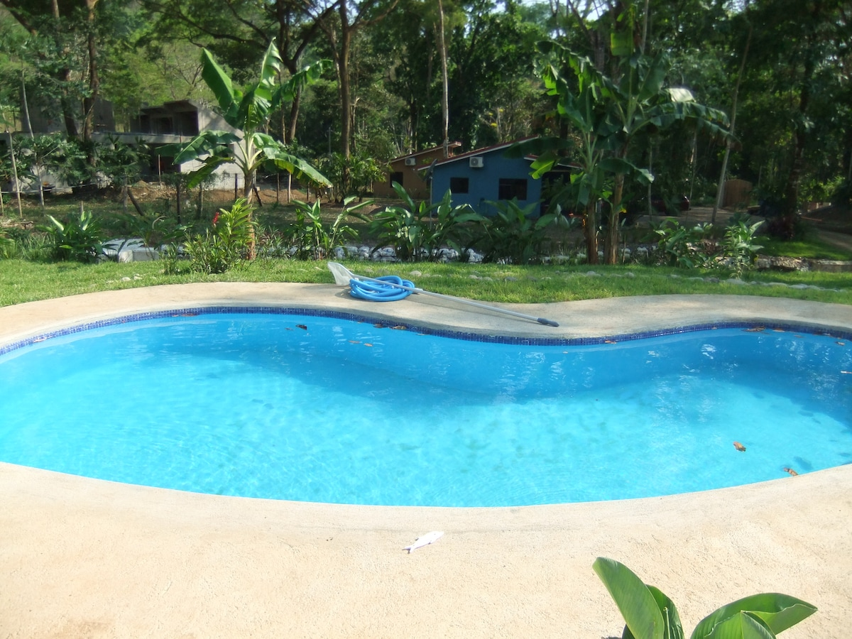 Our relaxing comunal pool!