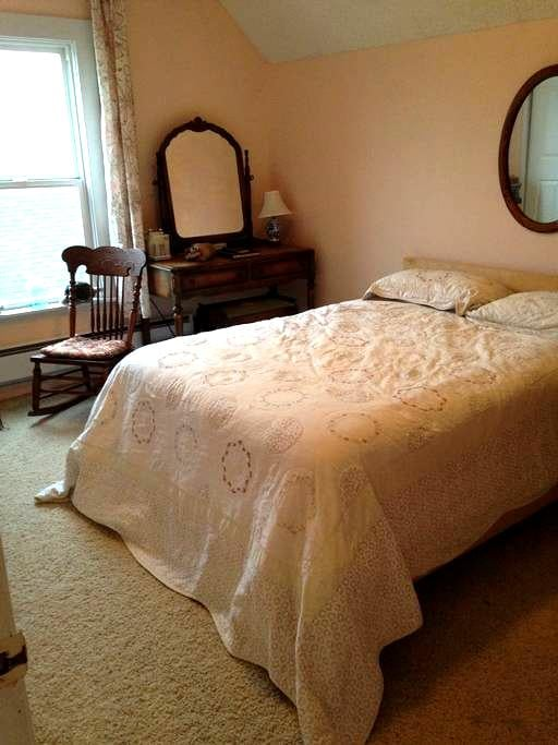 Light and Airy - Snohomish - Bed & Breakfast