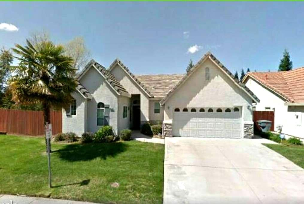 Amazing clean nicely furnished home - Granite Bay - House