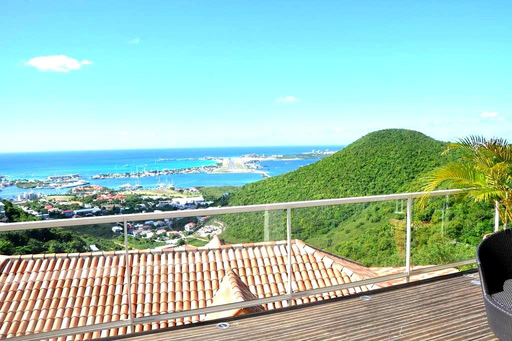 AMAZING AND UNIQUE VIEW IN SINT MAARTEN - Cole Bay - Appartement