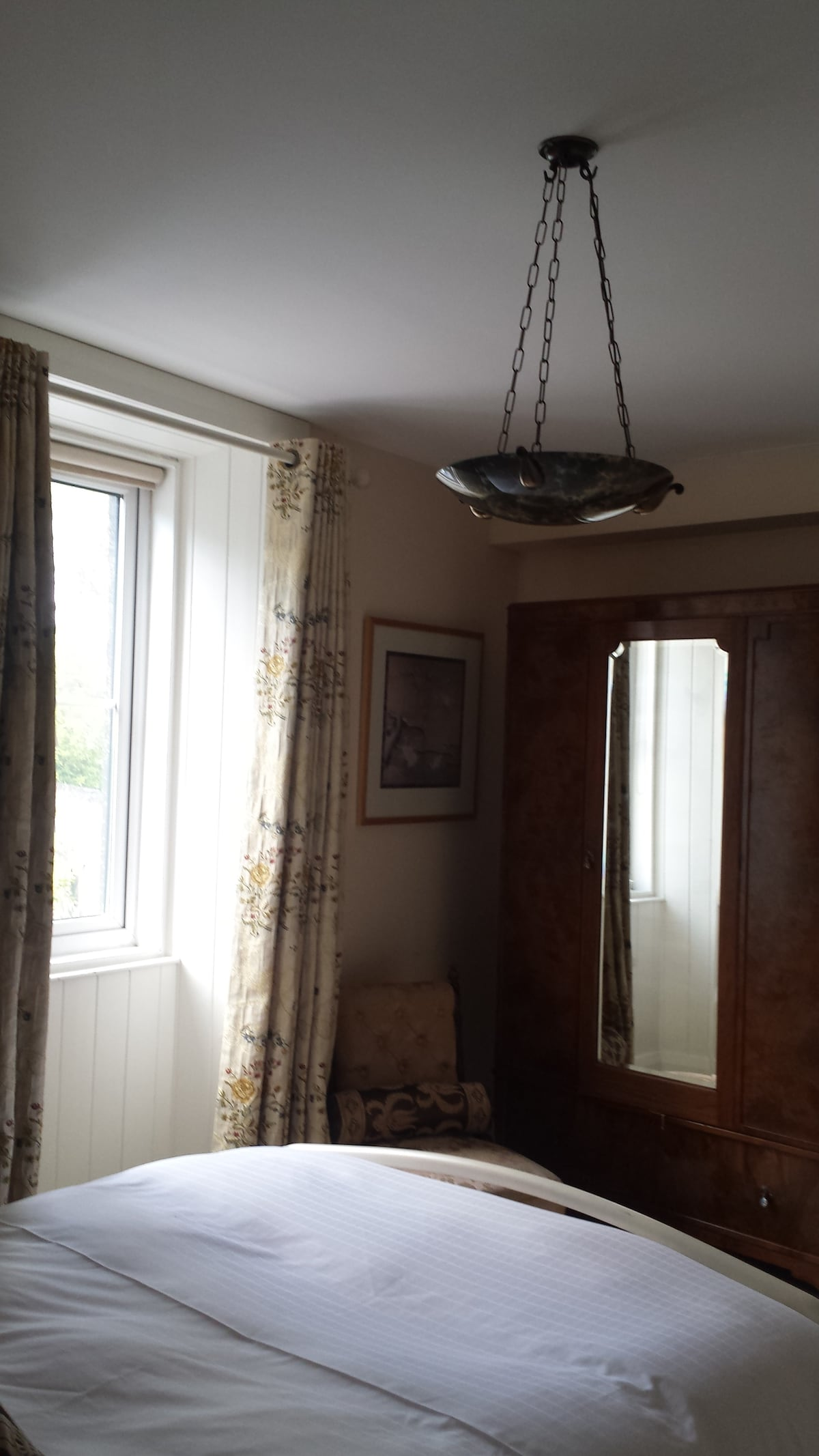 cosy room in galway town house