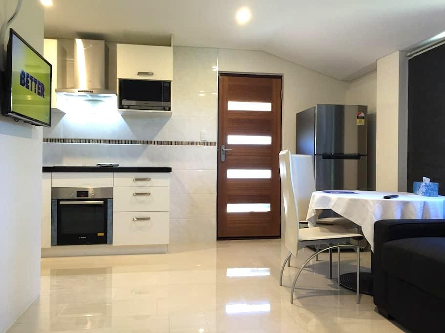 Holiday Unit-17A - Booragoon - Departamento