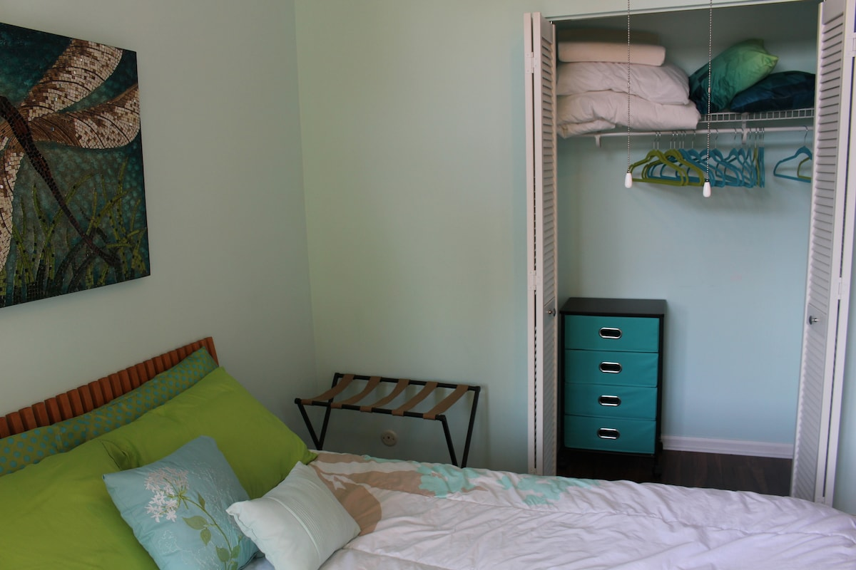 Plenty of closet space, even for longer term guests. Extra blankets and pillows are available.