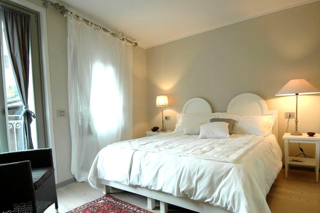 Charme Suite in the old town - Rovereto - 住宿加早餐