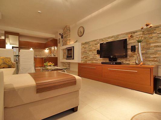 Johny apartment.