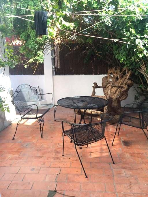 1 Private Rooms (2 Beds) In Villa - campamento - Vila