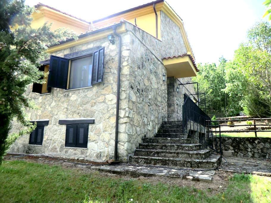 Casa de campo en el bosque, en sierra de Béjar - Peñacaballera - Hus