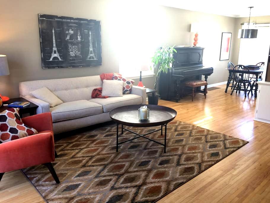 Sunny SLP/Linden Hills Home with Hotel Amenities - Minneapolis - Haus