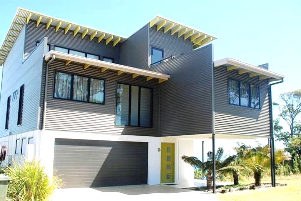 Moreton Outlook - Tangalooma - House