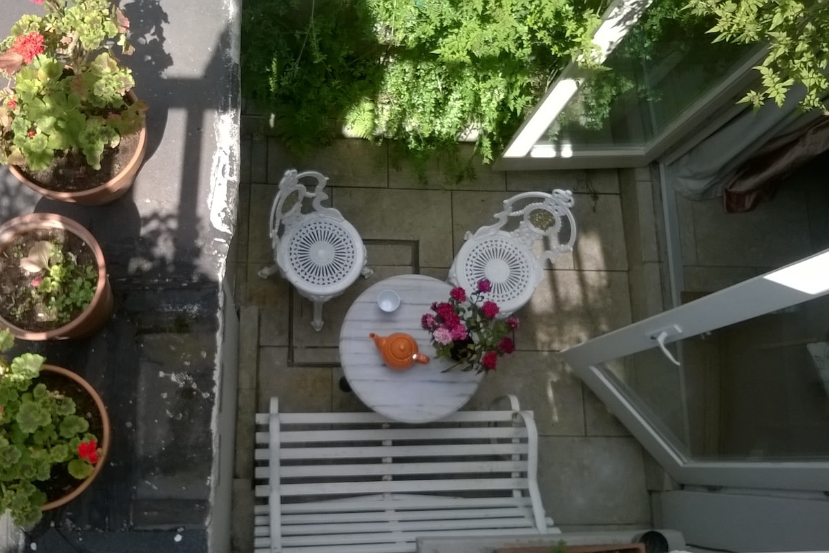 Single room in central Portobello