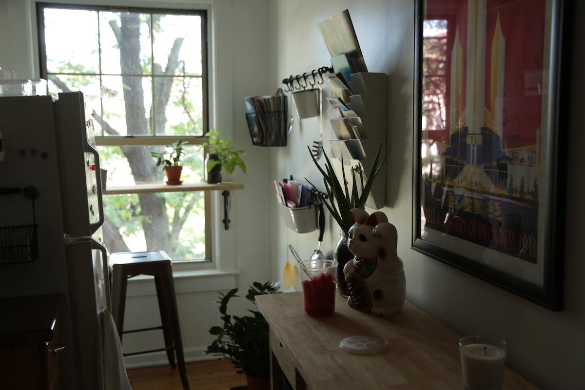 Clean, Bright Logan Square Studio