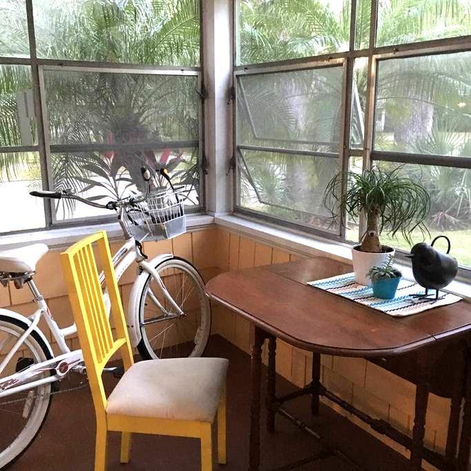 Charming Florida Bungalow - Private Room - Orlando - Talo