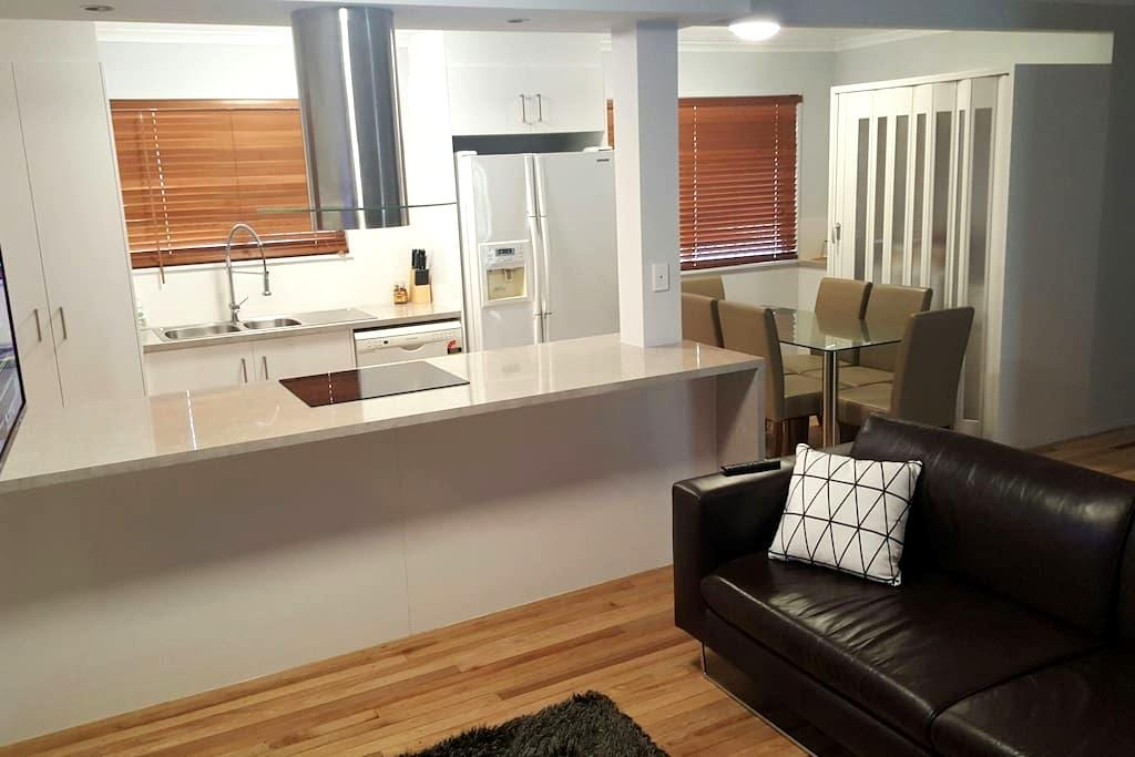Renovated 3 bed house good as new! - Garbutt