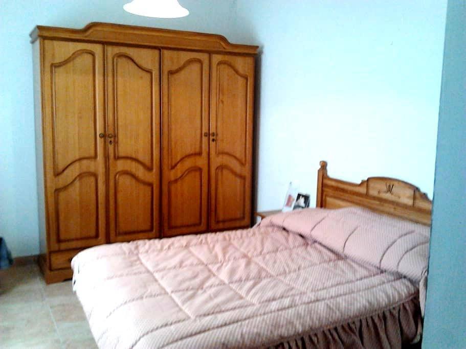 Comfortable double room (ensuite WC) - Martos - Daire