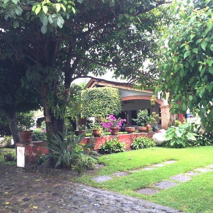 Linda casa en privada - oaxtepec - Dom