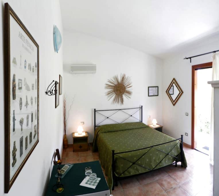 B&B Pula, independent en-suite room - Pula - Bed & Breakfast